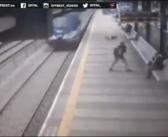 Suïcide man gekatapulteerd en onthoofd na botsing met trein