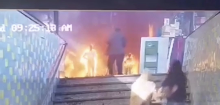 Enorme vuurbal zet station en omstanders in lichterlaaie nadat trein crasht en explodeert